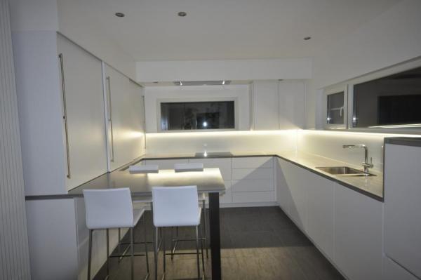 Home Design Keukens : Design keukens vanhoucke franky bvba